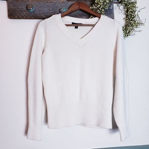 Ann Taylor Cream V Neck Comfy Sweater Size Medium